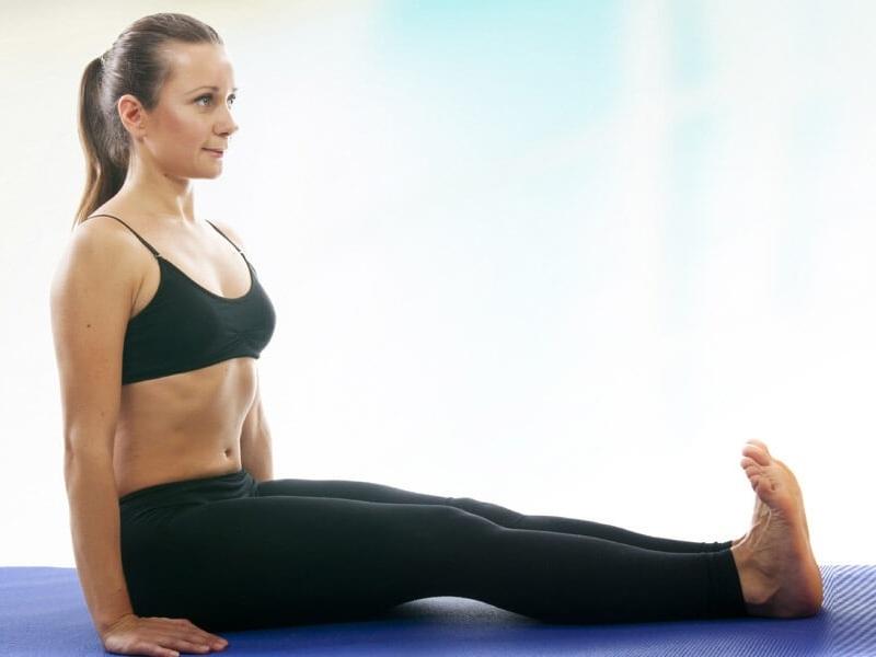 दंडासन Yoga से Anxiety कैसे दूर करें